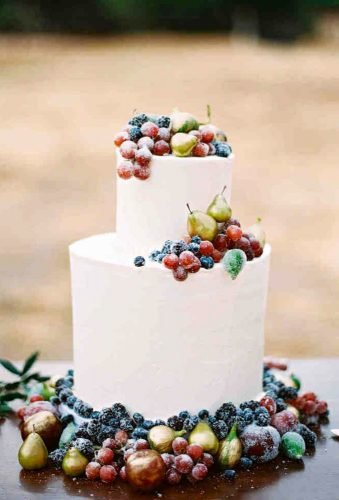 small wedding cakes fruit wedding cake planiteventstyler
