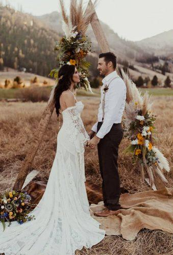 bohemian wedding ideas boho arch kaykroshus