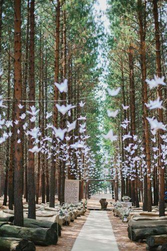 forest wedding theme tender ceremony decor Carolien Ben