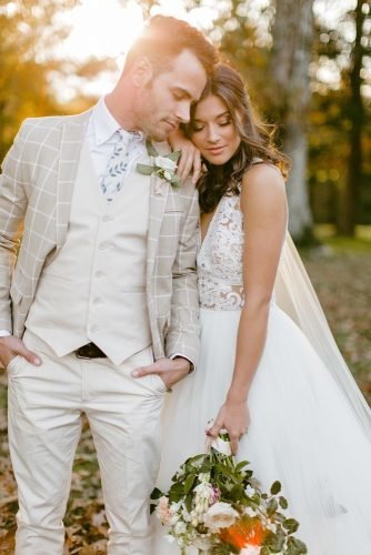 rustic groom attire kight jacket with boutonnieres tie lela yla