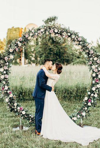 wedding arch decoration ideas kiss near arch juliebulanov
