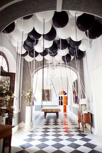 wedding ideas black and white wedding balloons