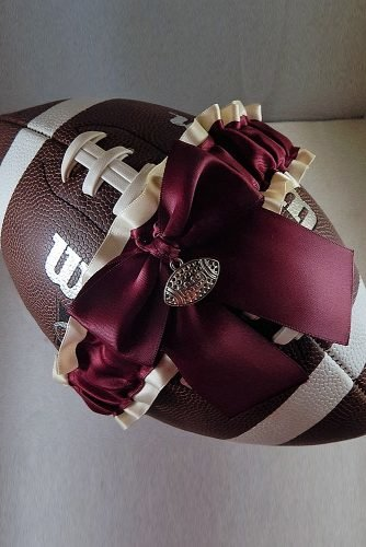 wedding ideas garter toss football