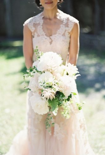 white wedding bouquets inspiration big blooms in bouquet Judy Pak