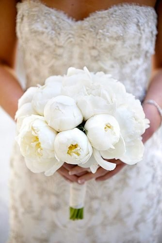 white wedding bouquets inspiration tender peones Cava Weddings