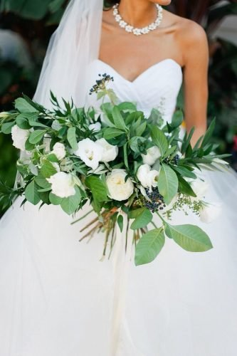 bridal bouquet shapes hight tied bouquet Melissa Oholendt Photography