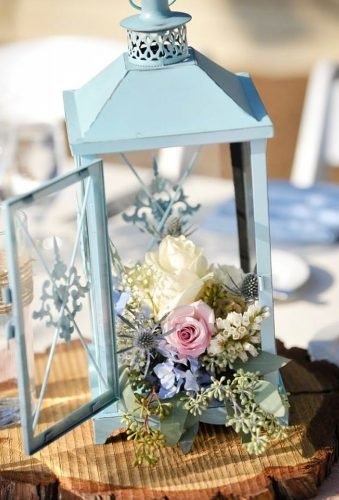 lantern wedding centerpiece ideas blue lantern centerpiece svatebnikoordinatorn