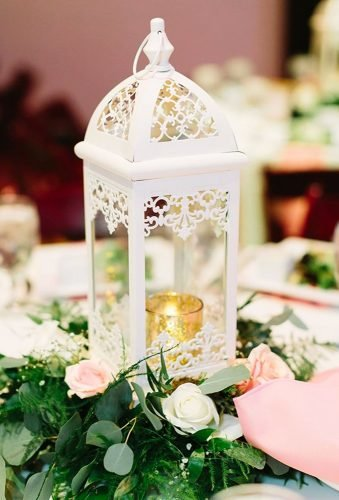 lantern wedding centerpiece ideas white table centerpiece rachelmoorephoto ⁣