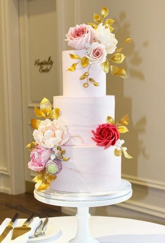 marble wedding cakes gentle marble cake with flowers violetandivycakedesign