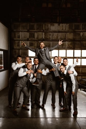wedding party pictures groomsmens picked up groom fun photo ideas t&k photography