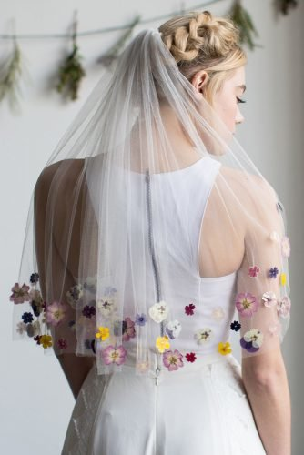 wedding trends 2020 white wedding veil with bright spring flowers am_faulkner