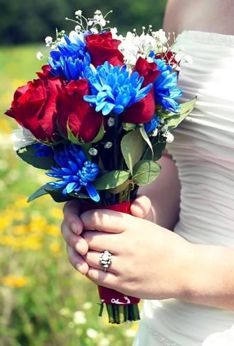 independence day wedding wedding bouquet kandalyngreenphotography
