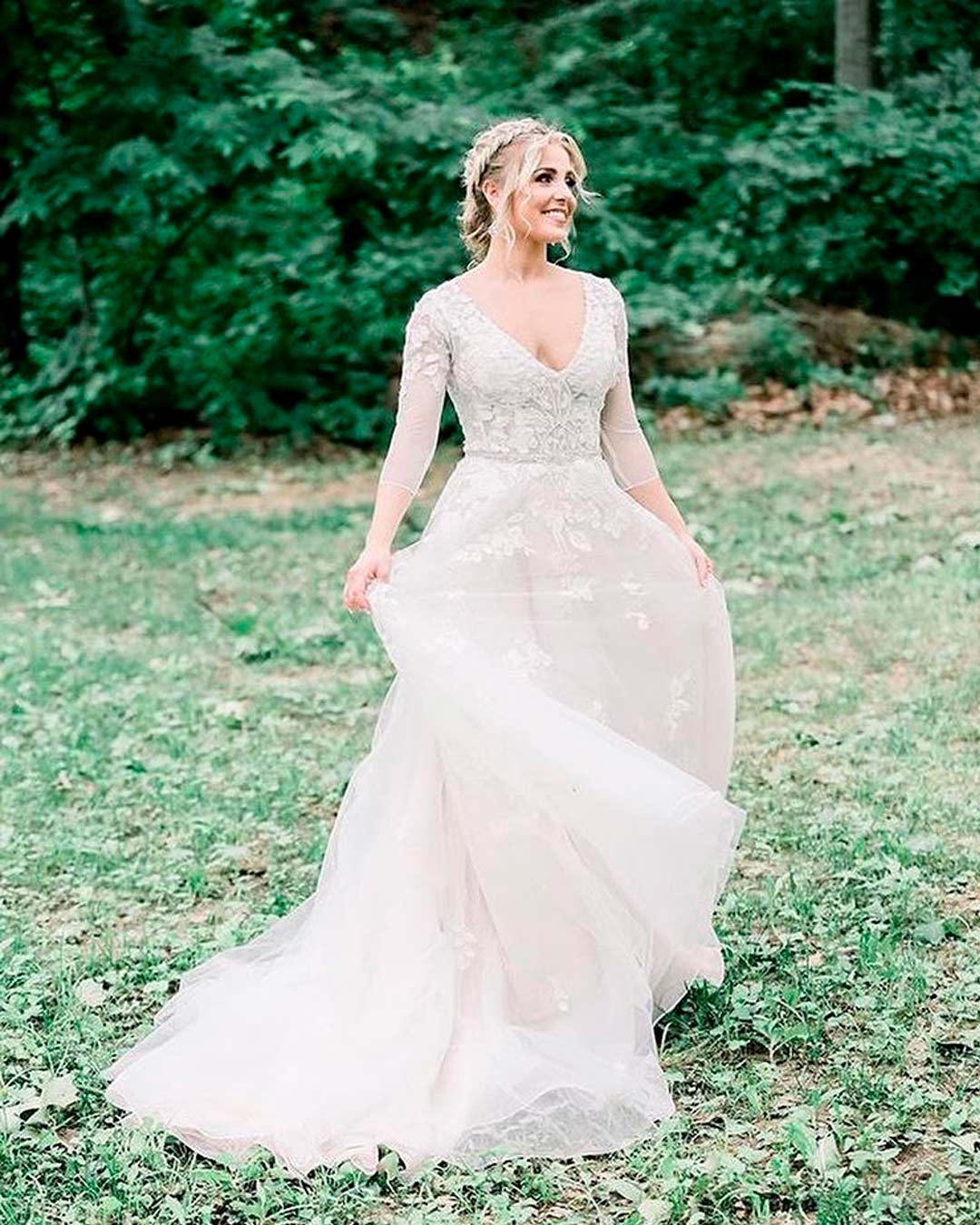 rustic-wedding ideas bride dress