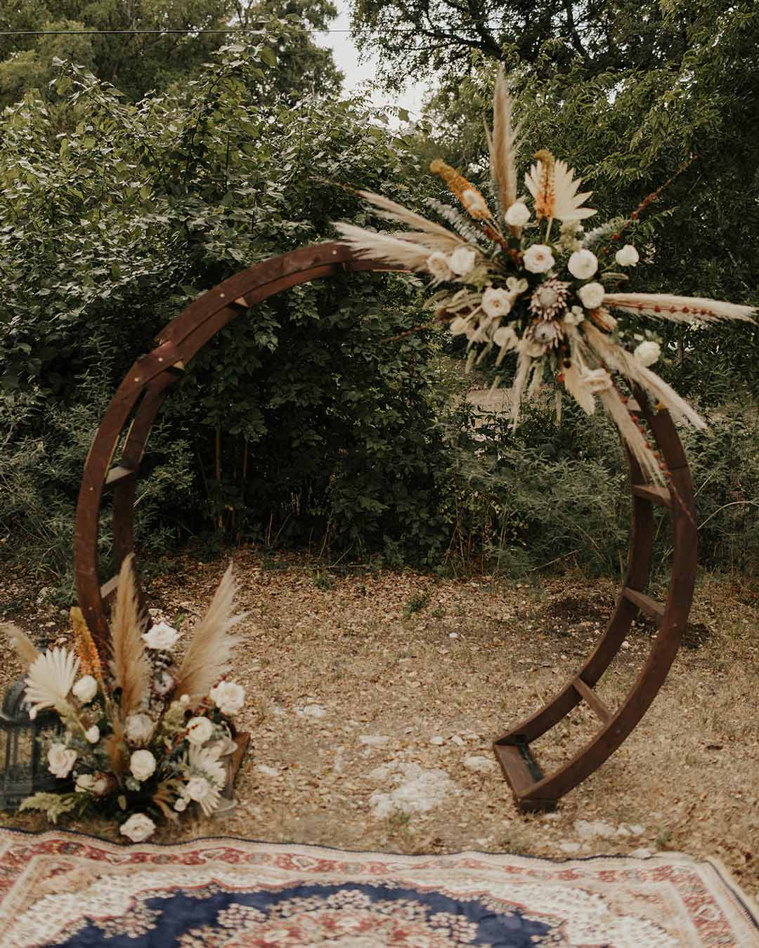 rustic wedding ideas vows arch ceremony bride groom ceremony