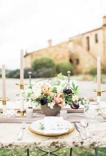 gold wedding decorations outdoor table decor katarinaandrej photographyn