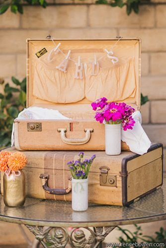 diy wedding ideas vintage cards suitcase