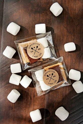 christmas wedding ideas smore wedding favors