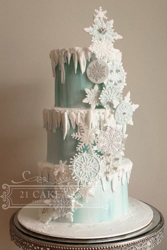 christmas wedding ideas snowflake wedding cake