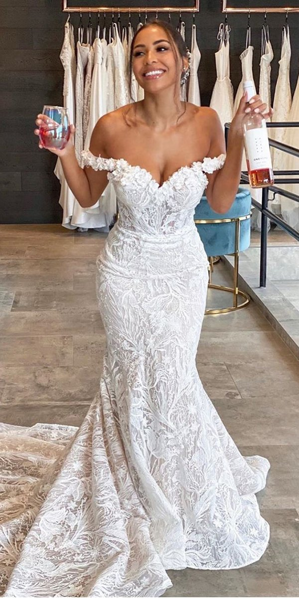 mermaid wedding dresses sweetheart strpless neckline off the shoulder lace enzoani
