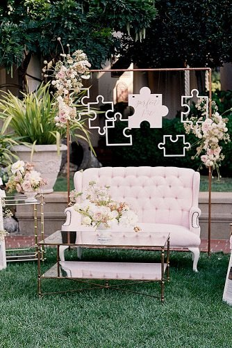 outdoor wedding ideas chic photozone with luxe couch