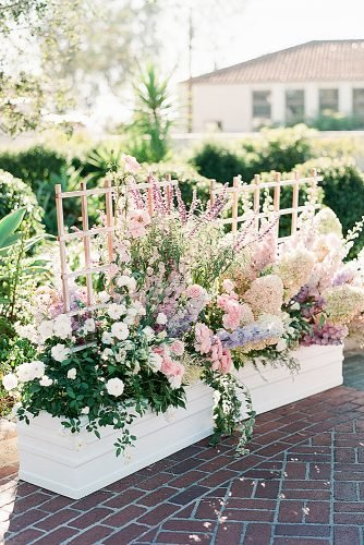 outdoor wedding ideas flowers in the baskets outdoor