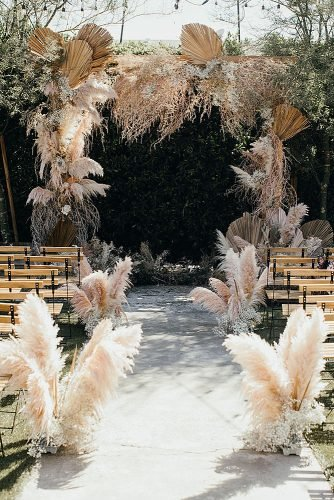 wedding ideas for summer pampas grass wedding aisle arch decor