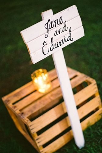 wedding ideas for summer wooden personal signage