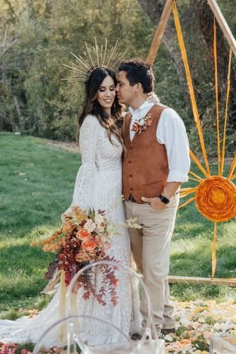 rustic groom attire vest with boutonniere carololiva photography