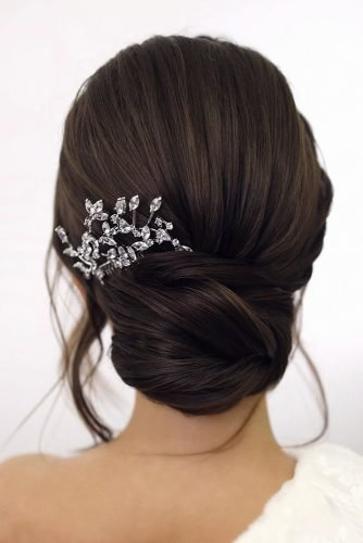 wedding updos on black hair smooth low bun tonyastylist
