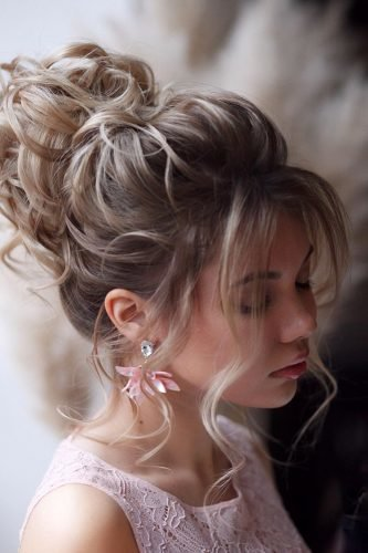 wedding updos textured curly high updo with loose curls hair_vera