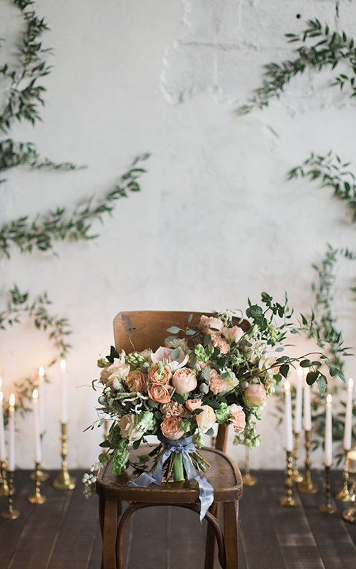 how to plan a wedding wedding flower decor featured