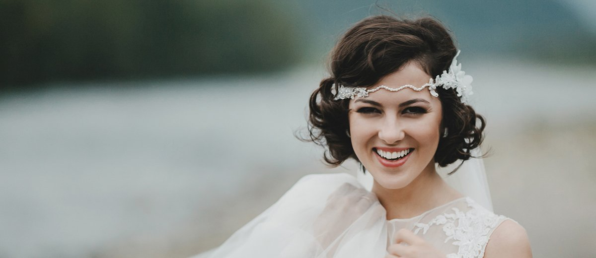 42 Wedding Updos For Short Hair That Aren't Boring