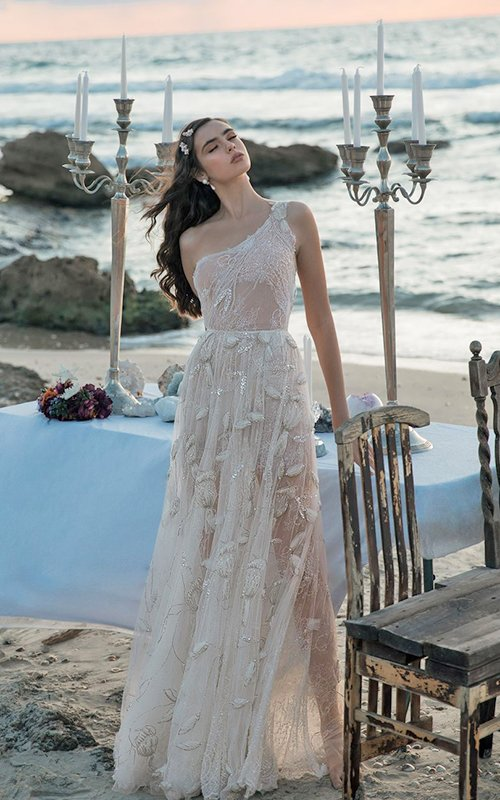 beach wedding dresses fea meitalzano1
