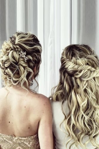 bridesmaid hairstyles easy simple curly textured blonde hair jennesahair