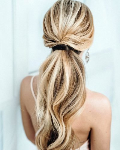 bridesmaid hairstyles elegant swept ponytail juliafratichelli.bridalstylist