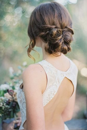 easy wedding hairstyles curly low bun messy with curls hannah suh photography