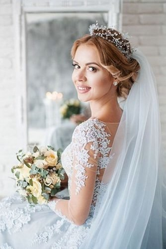 easy wedding hairstyles curly low updo with veil paulo_santana