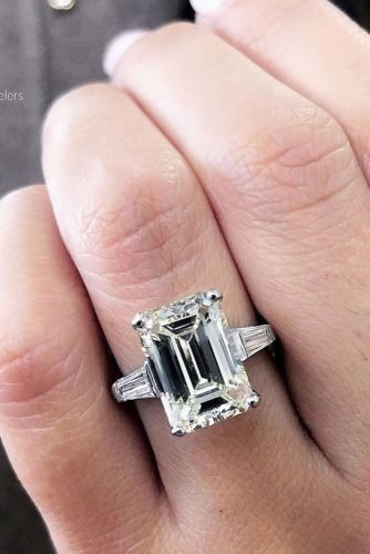emerald cut engagement rings soliatire diamong ring
