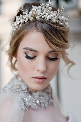 wedding hairstyles for medium hair headband with pearls and stars davidcphotography