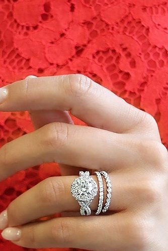 wedding rings halo diamod rings twisted band