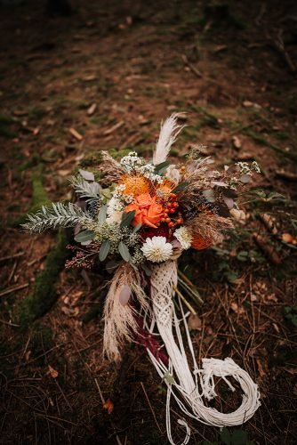 forest wedding styled shoots boho bouquet volume macrame fotografie danielaebner