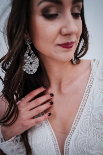 forest wedding styled shoots boho bridal look lace earrings fotografie danielaebner