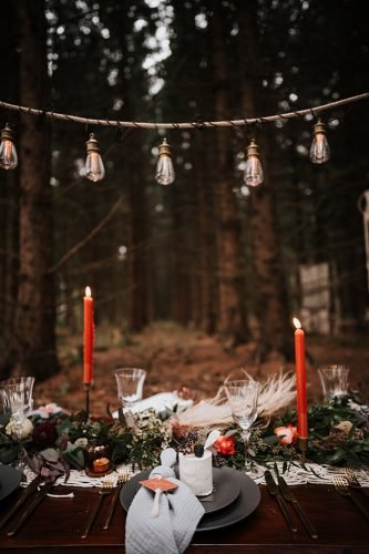 forest wedding styled shoots boho table with candle fotografie danielaebner