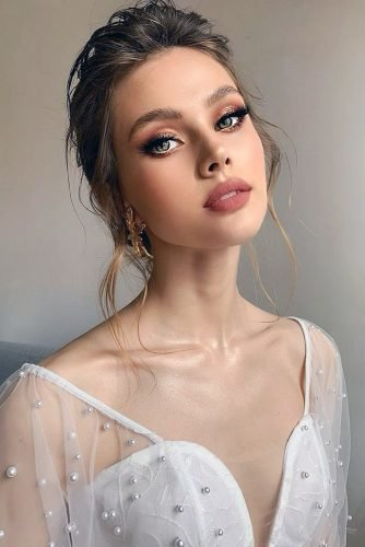 pinterest makeup for brides matte lips gold eyeshadows long lashes anastasia_obv