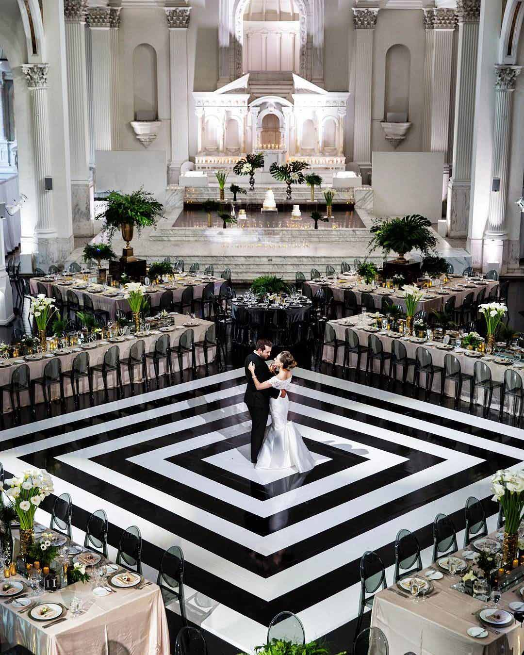 wedding colors black white bride groom venue