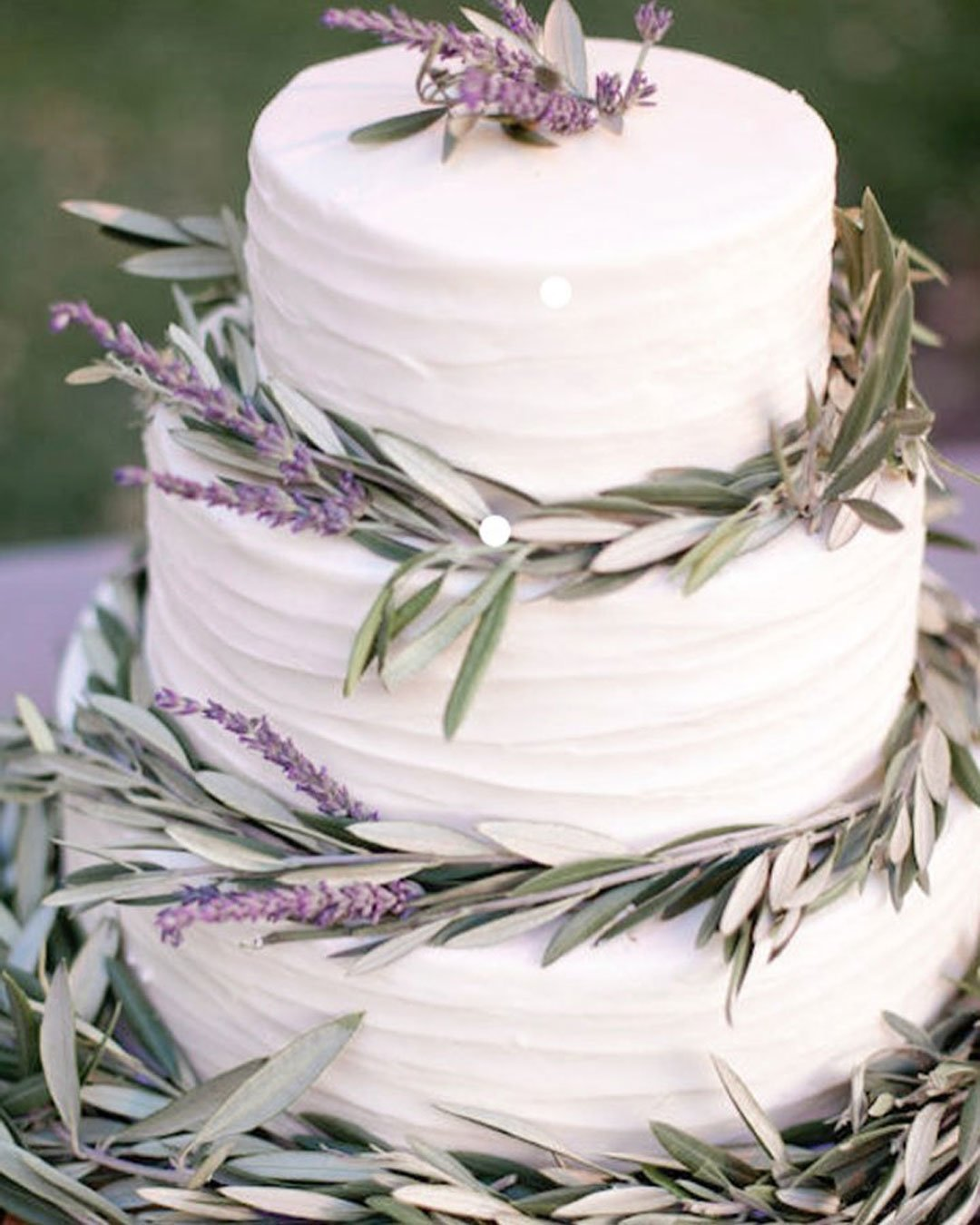 wedding colors lavender purple cake