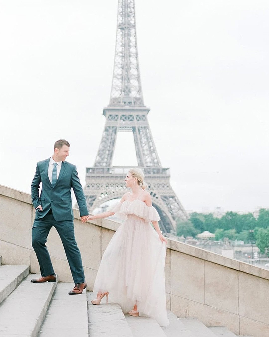 how to plan a wedding paris destination wedding newlyweds
