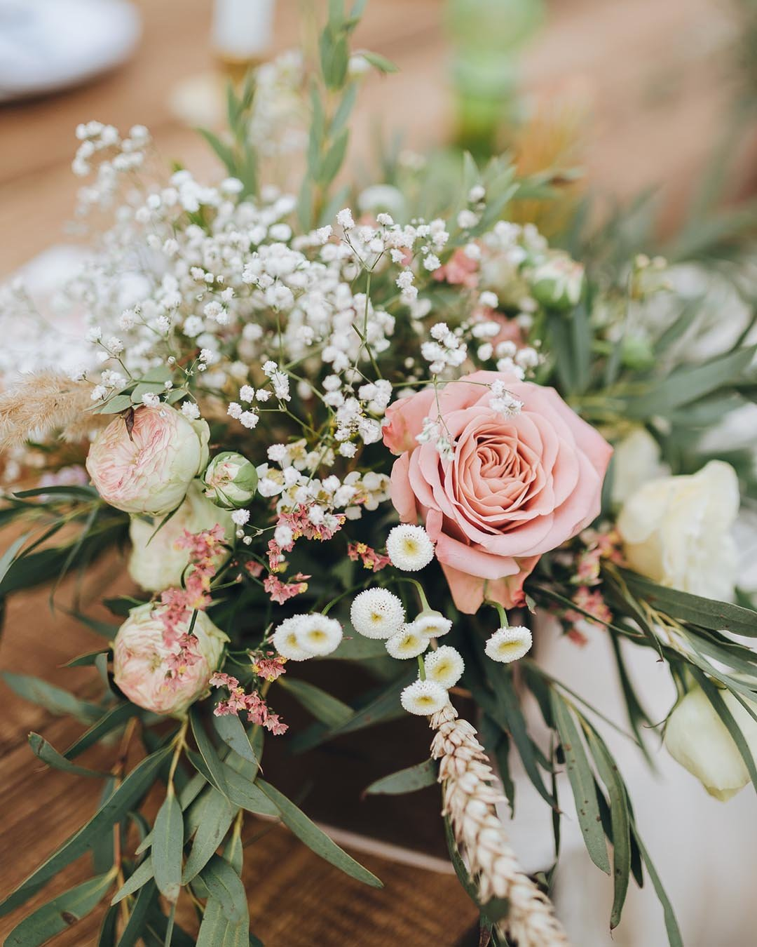 rustic wedding ideas dusty rose floral wedding arrangement