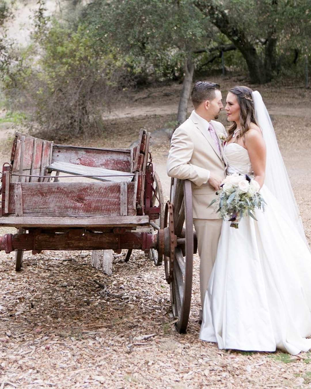 rustic wedding ideas farm wagons