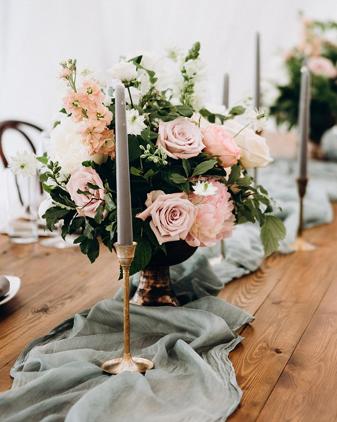 rustic wedding ideas flower arrangement wedding reception table decor